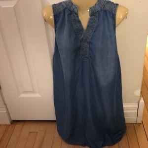 Liz Lange Maternity denim tunic size M